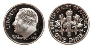 Americano una moneda de la moneda de diez centavos aislada en el fondo blanco imagen de archivo libre de regalías