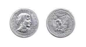 Americano una moneda del dólar aislante de ambos lados en el fondo blanco Foto de archivo libre de regalías