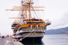 Amerigo Vespucci est un bateau grand de marine de l'Italie Image stock