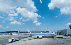 Amerika-Fluglinienfläche Stockfoto