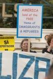Amerika-Land des freien Hauses der Immigranten und Flüchtlinge unterzeichnen stockbilder