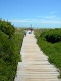 Amerika strand carolina som är södra till walkwayen Arkivfoton