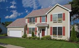 Amerikaans huis in de voorsteden royalty-vrije stock afbeeldingen
