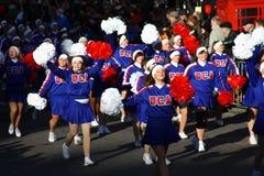 Amerikaanse Cheerleaders bij de Parade van Londen. Stock Afbeeldingen