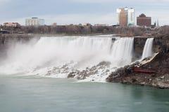 Amerikaanse Dalingen in Vroege Avond - Mening van Niagara-Dalingen, Ontario Canada royalty-vrije stock afbeelding