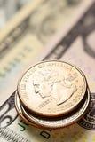 Amerikaanse dollars en centen Stock Foto's