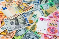 Amerikaanse dollars, Euro geld, Australische dollars en Chinese yua Royalty-vrije Stock Foto's