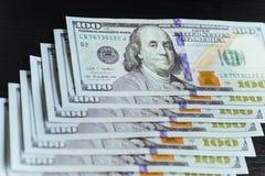 Amerikaanse dollars Honderd Dollarsbankbiljetten, 100 Stock Foto
