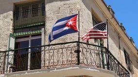 Amerikaanse en Cubaanse vlaggen royalty-vrije stock foto's