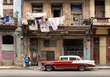 Amerikaanse klassieke auto's op de straat in Havana Royalty-vrije Stock Afbeelding