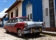 Amerikaanse klassieke auto in Trinidad Cuba Stock Afbeelding