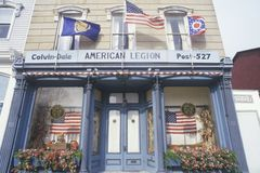 Amerikaanse Legioenpost 527 die met Vlaggen, Seneca Falls, New York bouwen Stock Foto