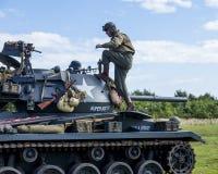 Amerikaanse Lichte Chaffee Tank en bemanning stock afbeeldingen