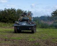 Amerikaanse Lichte Chaffee Tank en bemanning stock foto