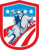 Amerikaanse Rodeocowboy Retro Bull Riding Shield stock illustratie
