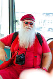 Amerikaanse Santa Claus in rood de zomerkostuum Royalty-vrije Stock Afbeelding
