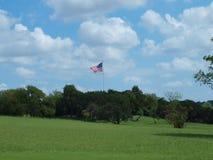 Amerikaanse Vlag bij de Heuvel van Vlagpool royalty-vrije stock foto