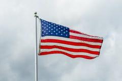 Amerikaanse Vlag die in de wind golft Royalty-vrije Stock Fotografie