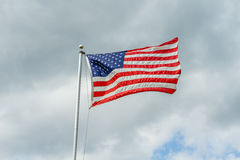 Amerikaanse Vlag die in de wind golft Stock Afbeelding