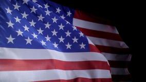 Amerikaanse vlag die in de wind, langzame motie blazen stock video