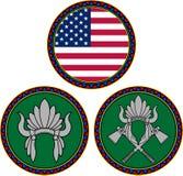 Amerikaanse vlag en Indisch hoofddeksel Stock Foto's