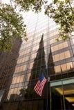 Amerikaanse Vlag - Olympische Toren, de Stad van New York Royalty-vrije Stock Afbeeldingen