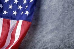 Amerikaanse vlag op cementachtergrond Royalty-vrije Stock Foto's