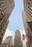 Amerikaanse vlag op de straten van Manhattan Royalty-vrije Stock Afbeelding