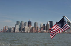 Amerikaanse Vlag op Hudson Stock Afbeelding