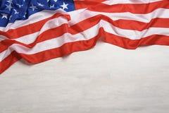 Amerikaanse vlag op witte houten achtergrond royalty-vrije stock afbeeldingen