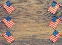 Amerikaanse vlaggen op hout Royalty-vrije Stock Afbeeldingen