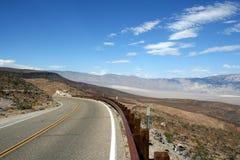 Amerikaanse weg met verlaten kromme Royalty-vrije Stock Afbeeldingen