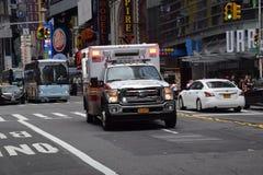 Amerikaanse ziekenwagen in New York stock afbeeldingen