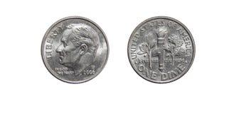 Amerikan ett tiocentaremynt 10 cent som isoleras på vit bakgrund Arkivfoton