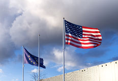 Amerikan- och euflagga Royaltyfria Foton