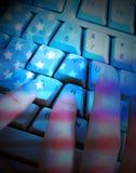 Amerikan- och ryssflaggor på programmerare Showing Hacking Fotografering för Bildbyråer