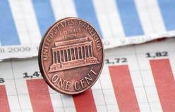 Amerikaner ein Cent auf Zeitungsdiagramm Stockfoto
