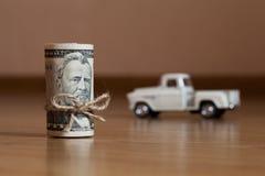 Amerikaner fünfzig Dollarscheine oben gerollt Lizenzfreies Stockbild