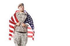AMERIKANISCHE Armee-Förster mit amerikanischer Flagge Stockbild