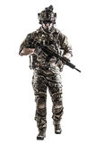 AMERIKANISCHE Armee-Förster mit Waffe stockfoto