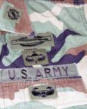 AMERIKANISCHE Armee-Kampf-Veteranen-Uniform-Änderungen am Objektprogramm Lizenzfreie Stockfotografie