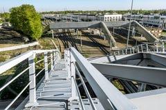 Amerikanische Brücken des Bau-Zugs über dem Obvodny-Kanal in St Petersburg lizenzfreie stockbilder