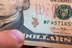 Amerikanische Dollar von Schatz und von Zentralbank Vereinigter Staaten mit Porträts von USA-Präsidenten Lizenzfreie Stockfotos