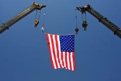 Amerikanische Flagge auf Kran Lizenzfreie Stockfotografie