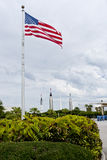 Amerikanische Flagge nahe Kennedy Space Center. Lizenzfreies Stockbild