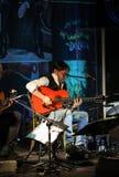 Amerikanische Jazzfusion und lateinische Jazzgitarrist Al Di Meola-Ausführung Live auf dem Kijow Mittestadium in Krakau, Polen stockfotografie