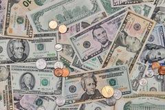 Amerikanische Münzen u. Dollar Hintergrund Lizenzfreies Stockfoto