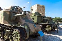 Amerikanische mittlere Behälter auf Anzeige vom linken M3 Grant, von M3 Lee und von M3A1 Stuart Latrun, Israel Lizenzfreie Stockbilder