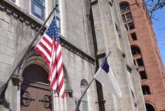 Amerikanische u. christliche Flaggen Stockfotografie