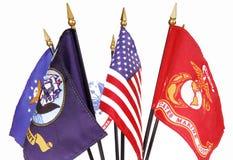 Amerikanische und Militärmarkierungsfahnen Stockfoto